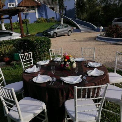 villa-sol-y-luna-table-setup-1